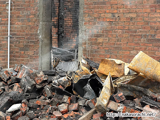 「楽しい煉屋」が失火全焼